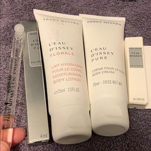 D'issey sampler Set of 5 items